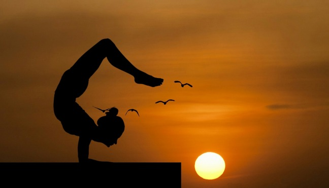 yoga-3605913_1920